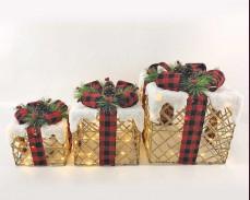 """Светеща декорация """"коледни подаръци"""" с червена панделка"""