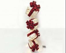 """Светеща висяща декорация """"бели подаръци"""" с червена панделка"""