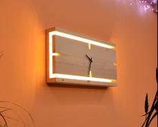 Дървен стенен часовник с LED светлина