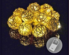 "Гирлянд ""Ратанови топки"" 10 ТОПЛО БЕЛИ led с батерии 1,3м"
