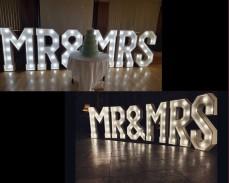 Светещи обемни букви MR&MRS под наем